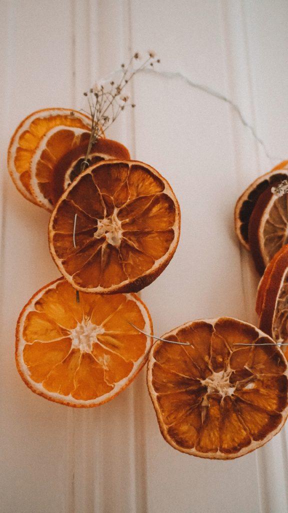 DIY Deko aus getrockneten Orangenscheiben